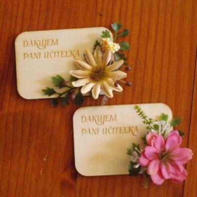Magnetka s textom s kvietkom pre učiteľku