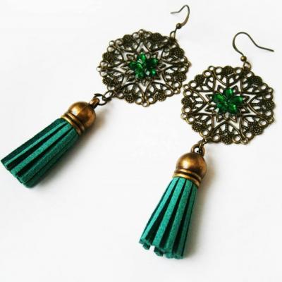 Orientálne zelené náušnice so strapcami a kamienkami