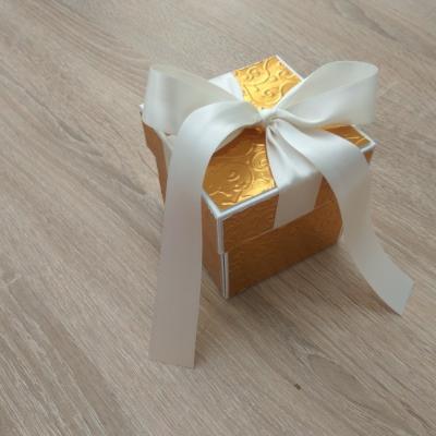Exploding box zlatý