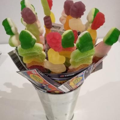 cukríková kytica so žrebmi