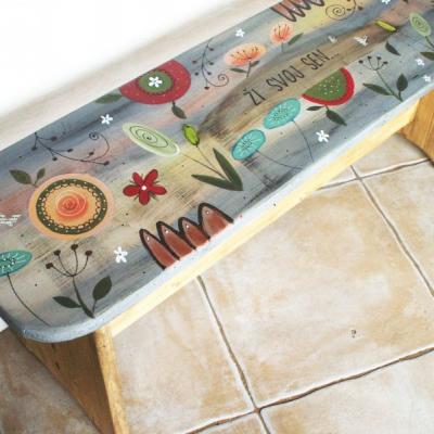 Maľovaná lavička