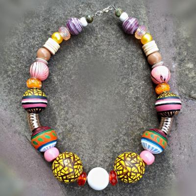 Rosa- maľovaný krátky náhrdelník