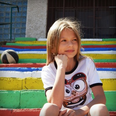 Detské tričko s čiernym lemom - OčiPuči Fillipo