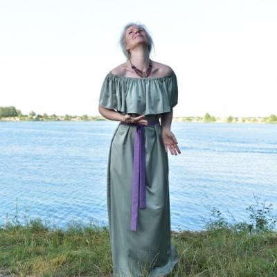 Pokoj - Volánové šaty