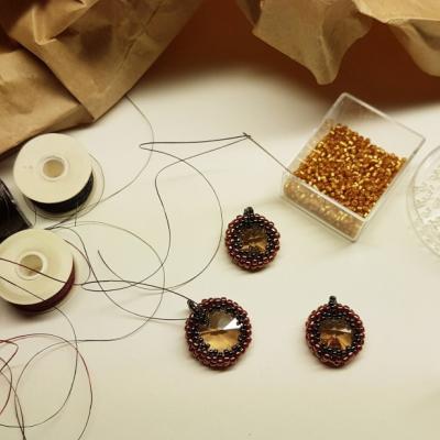 Kreativne kurzy -šitý šperk technika peyot
