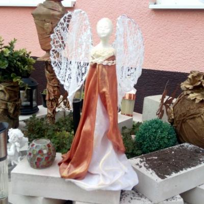 socha anjel z paverpolu 40cm