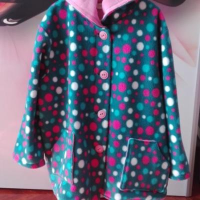 Dievčenský Guličkový kabátik