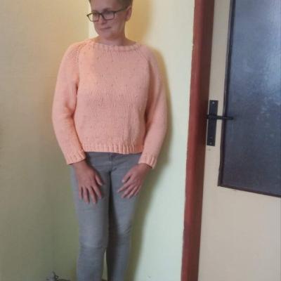 Raglánový pulóver