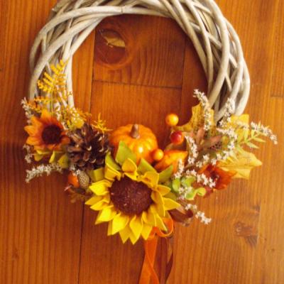 Jesenný venček so slnečnicou a tekvicou