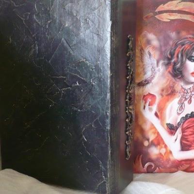Kniha drevená