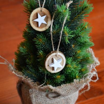 Vianočné drevené ozdoby s hviezdami . sada 2ks