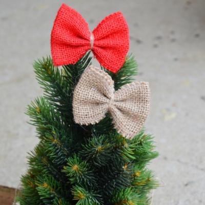 Jutové mašle na stromček  - červená a prírodná na stipčeku