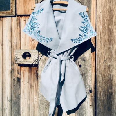 Maľovaná vesta modrá
