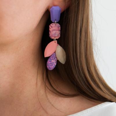Visiace náušnice dlhé - fialová a baby pink