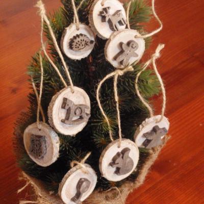 Vianočné drevené ozdoby sivé - sada 8ks