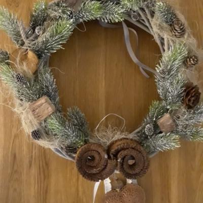 Vianočny veniec na dvere