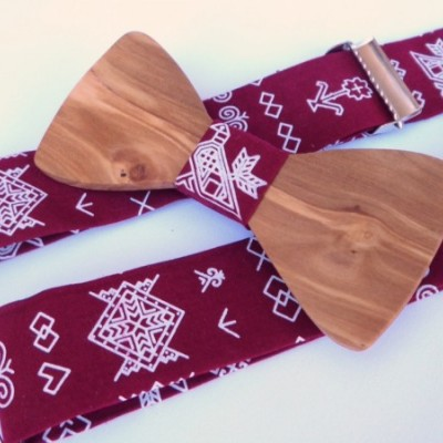 Pánsky set - drevený motýlik + traky - Čičmany bordo