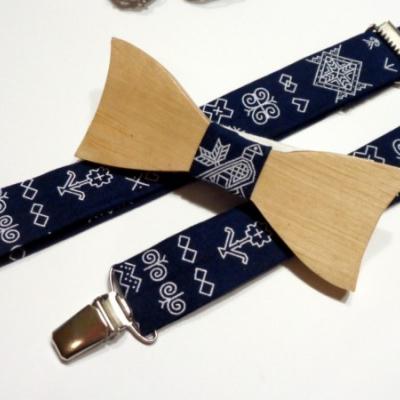 Pánsky set -drevený motýlik + traky  - tmavo modré Čičmany