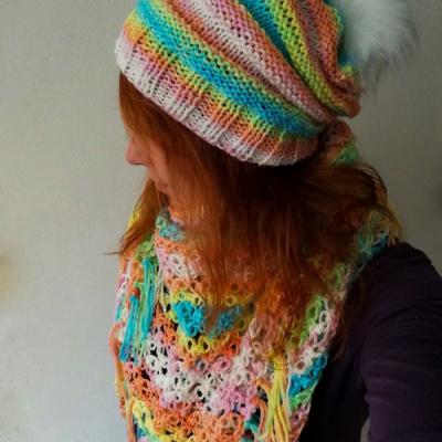 Krásna pastelová šatka s čiapkou