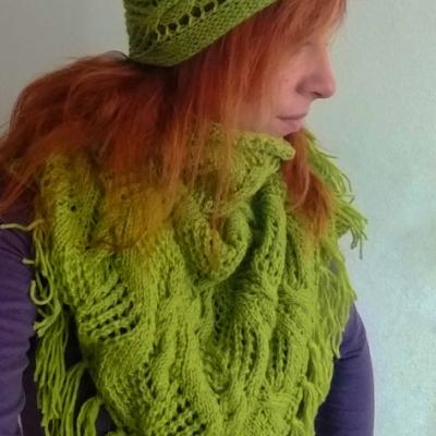 Pletená šatka a čelenka v zelenej