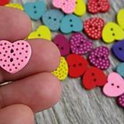 Drevený gombík srdce 17 x 15 mm, 10 ks