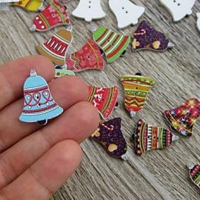 Drevené gombíky Vianočné zvončeky 24 x 19 mm, 10 ks