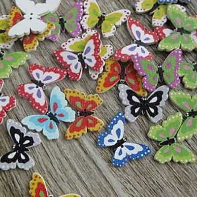 Drevené gombíky motýľ 24 x 18 mm, 10 ks