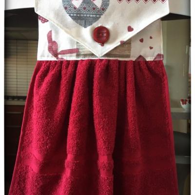 Kuchynský uterák bordový - ľudový vzor