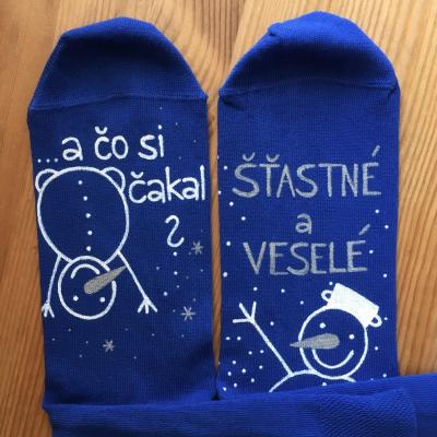 Maľované vianočné modré ponožky s textom: