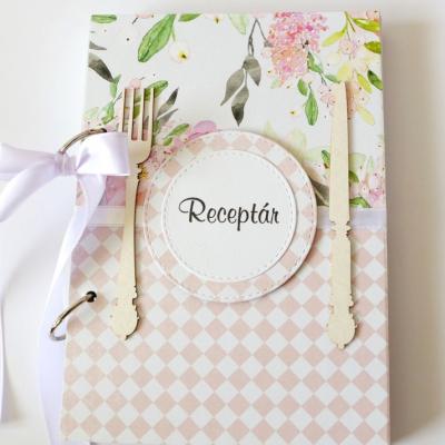 Receptár ružovo-biely s kvetmi