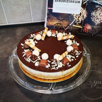Vanilkový cheesecake s čokoládovou polevou