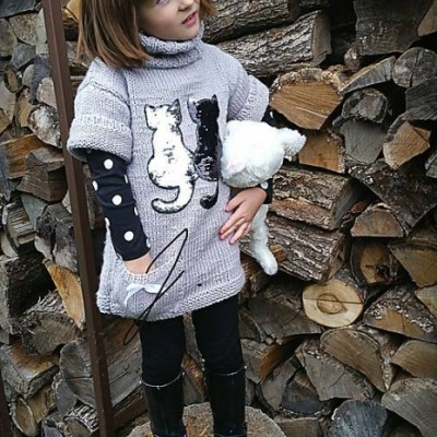 Rolákové šaty s mačičkami
