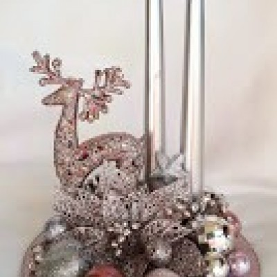Vianočný svietnik na zrkadlovom podklade