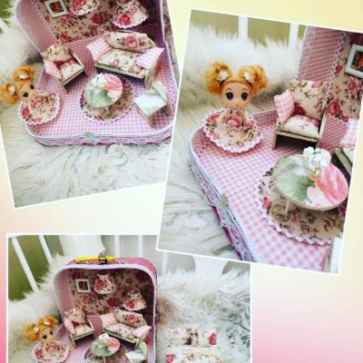 Romantický kvetinový ňuňu kufrík
