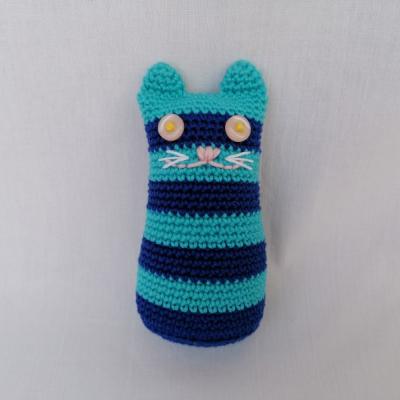 Pásikavá mačka s hrkálkou
