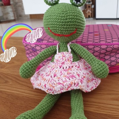 Žabka v sukienke