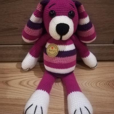 Háčkovaný psík - fialový