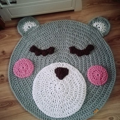 Háčkovaný koberec do detskej izbičky