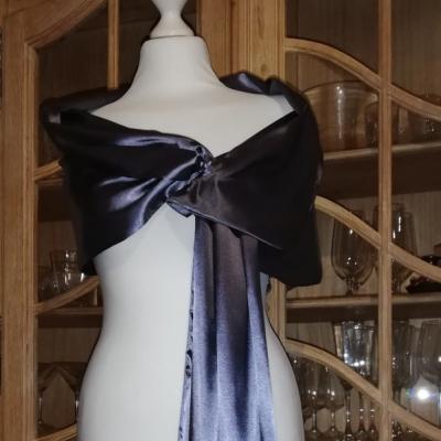 štóla k spoločenským šatám 180cm antracitová