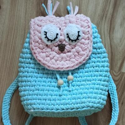 Detský háčkovaný ruksak