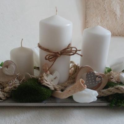 Drevený podnos so sviečkami... Dokonalý aranžmánik pre útulný domov...