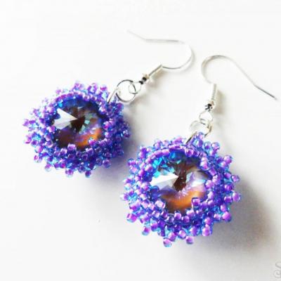 Elegantné fialové visiace Swarovski náušnice
