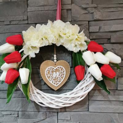 Veniec na dvere tulipány