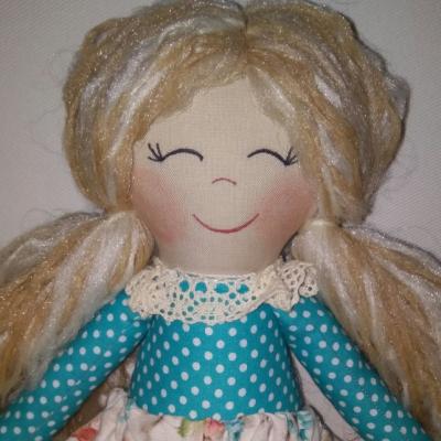 Bábika blondínka tyrkysovo fialová