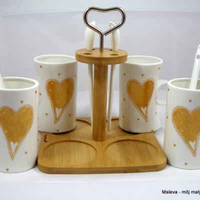 porcelánová hrnčeková čajová súprava Srdiečko