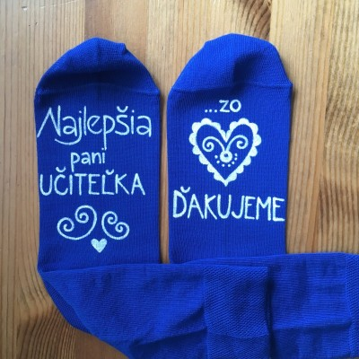 Maľované modré ponožky pre najlepšiu pani učiteľku