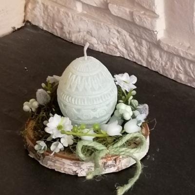 Veľkonočná sviečka na dreve vajíčko