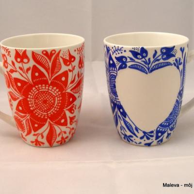 porcelánový hrnček ručne maľovaný Modré srdiečko