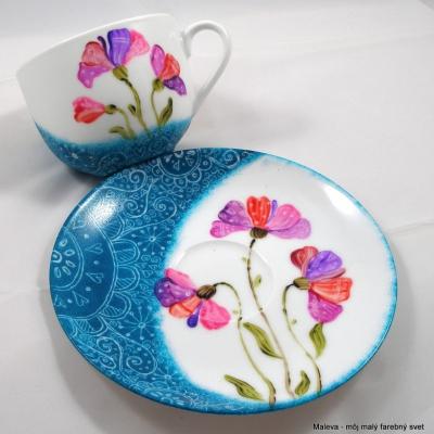šálka porcelánová Klinčeky v tyrkysovej
