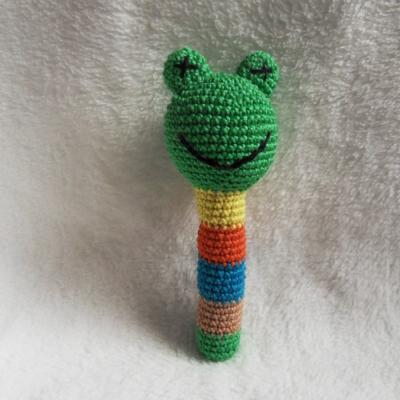 Háčkovaná hrkálka - žabka